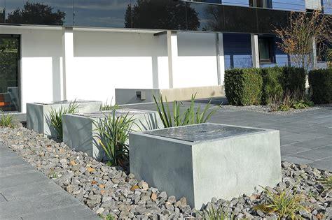 brunnen modern garten gartenbrunnen archive gartenbrunnen