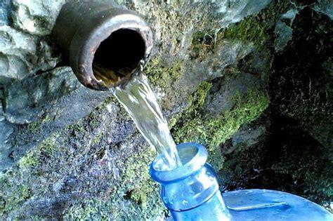 meglio acqua rubinetto o in bottiglia acqua bottiglia rubinetto o fontanella attualit 224 livorno