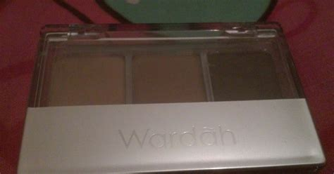 Eyeshadow Wardah Warna Putih review wardah eye shadow halal tiga warna seri g la