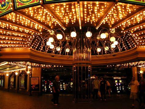Lighting Fixtures Las Vegas Las Vegas Travelog Flamingo Ballys Barbary Coast
