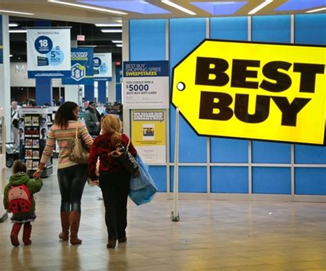 ceo best buy best buy ceo nearly halves stake in company shares fall