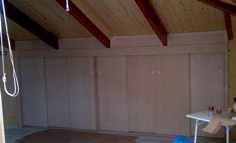 armadi per sottotetto mobili e arredamento per la mansarda ed il sottotetto