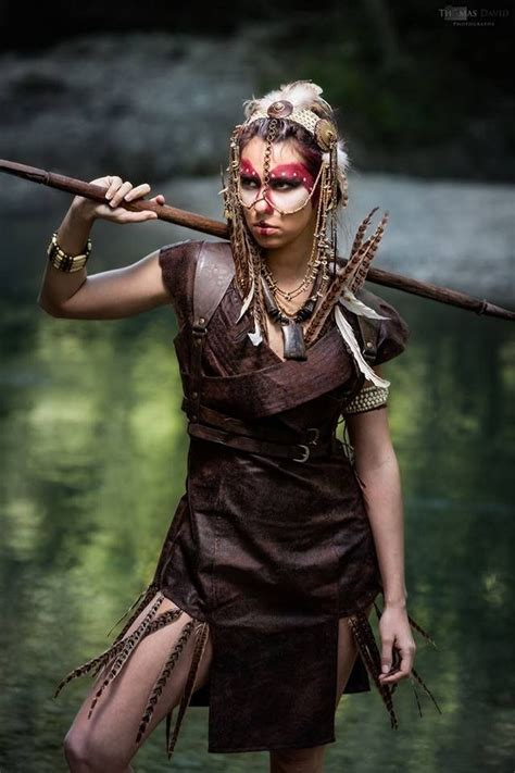 warrior woman amazon tabard en simili cuir marron style guerriere style