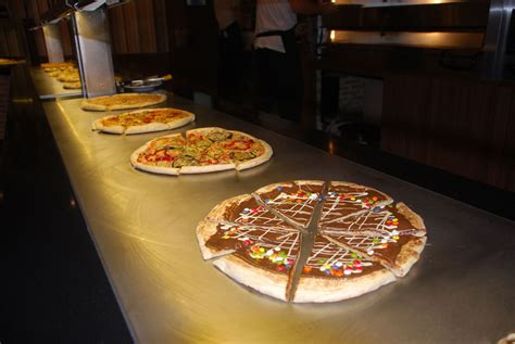 Buffet Let 180 S Go Madrid Buffet De Pizza
