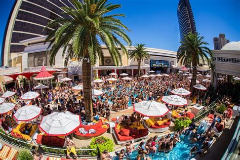 encore beach club couch encore beach club debuts bottle service ferris wheel