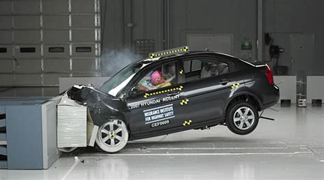 car crash test gaming technology makes car crash testing more accurate