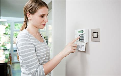 9 home security tips travelers insurance