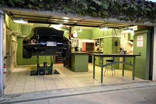 The Garage An Invisible Hydraulic Lift The 12 Garage