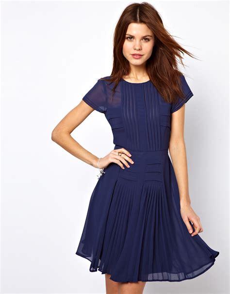 pretties closet warehouse pleated bodice and skirt dress