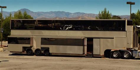 Motorhome Garage Plans by Inside Will Smith S 2 5 Million 2 Story Movie Trailer