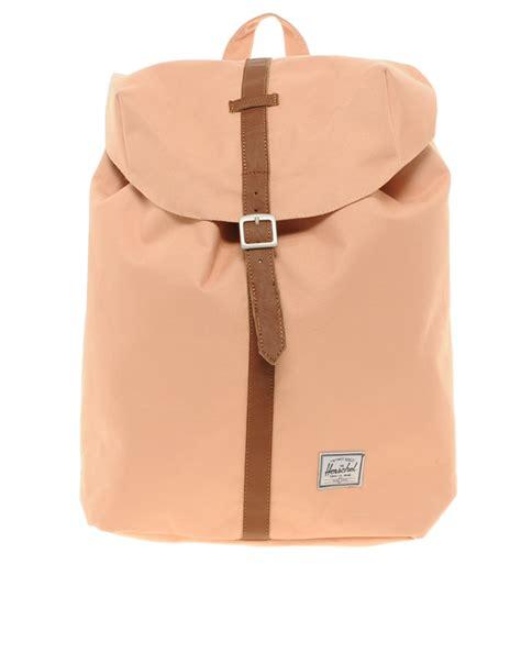 Backpack Herschel herschel supply co post backpack in beige coral lyst