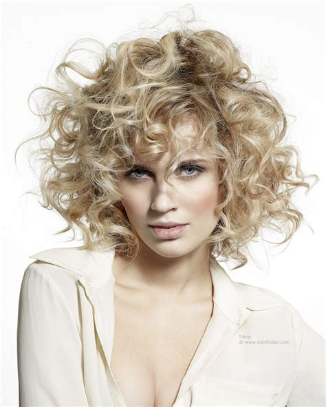 hairstyles with fullness medium long blonde hair with large size curls