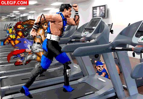 imagenes gif videojuegos gif personajes de videojuegos entrenando en el gimnasio