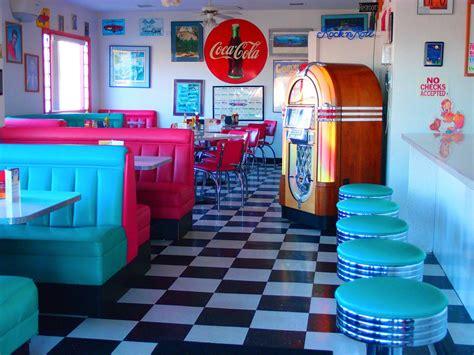 Retro Kitchen Decor Ideas retro jukebox painting google s 248 gning cereal boxes
