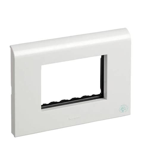 Frame 4 Legrand Niloe Putih buy legrand myrius white plate with frame 4 module set of 5 at low price in india