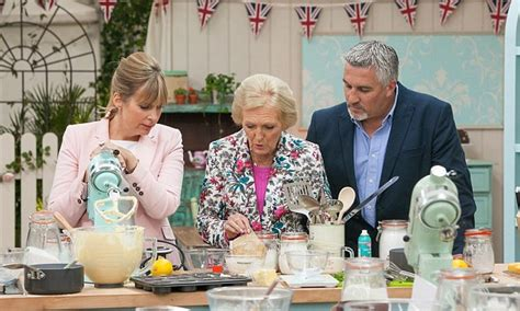 libro great british bake off the great british bake off s back with secret new ingredient dried raspberry powder daily