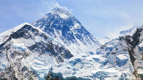 kengerian  balik zona kematian menuju puncak gunung