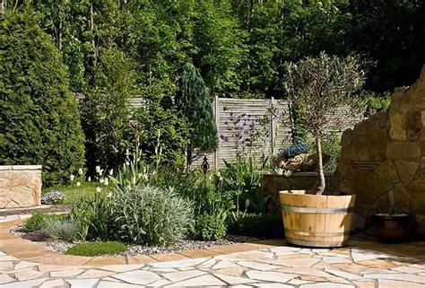 Sitzecke Garten Stein by Sitzecke Im Mediterranen Stil Gartengestaltung Mit