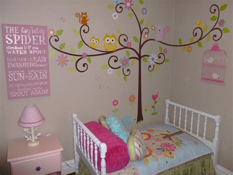 toddler room wall decor toddler s room so the quot happi tree quot wall