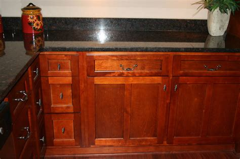cherry shaker kitchen cabinets home design traditional