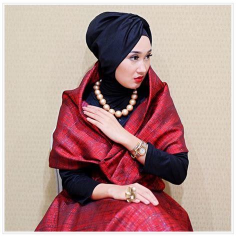 Foto Baju Elegan gambar model baju muslim songket elegan untuk wanita