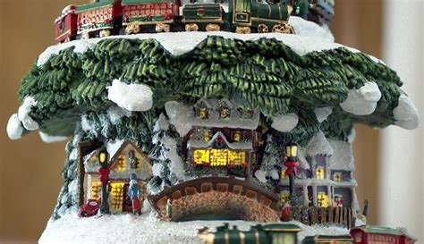 the thomas kinkade wonderland express christmas tree