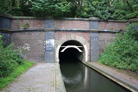 electric boat portal চ ত র dudley canal tunnel southern portal jpg উইক প ড য