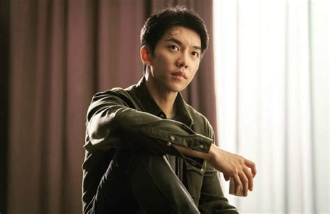 lee seung gi new drama vagabond lee seung gi is a cool vagabond alongside cute agent suzy