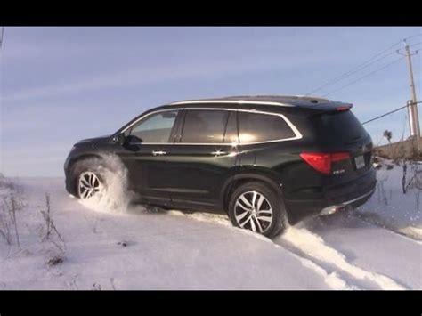 Snow Feature On Toyota Highlander 2016 Pilot Vs Toyota Highlander Visual Comparison Doovi