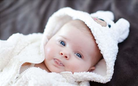 cute child 10 most beautiful and cute babies images for whatsapp