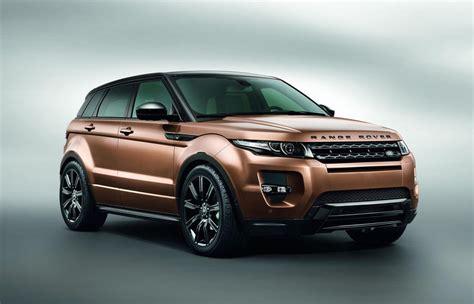 features   range rover evoque