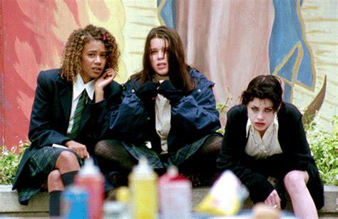 teen movies of the 90s list 90s movies the craft teen movies fairuza balk neve