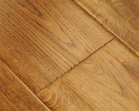 Engineered Oak Flooring Golden Oak Scraped Lacquered Engineered Wood Flooring