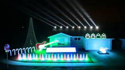amazing christmas can can light show strange beaver