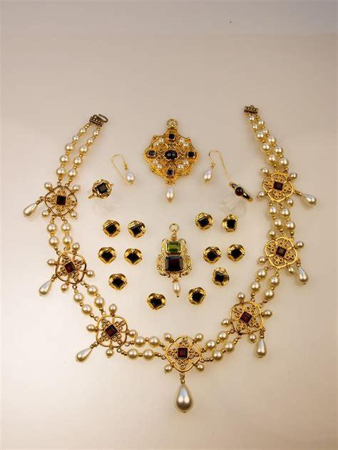 sixteenth century necklace the tudors