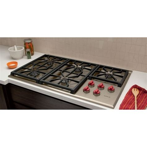 36 wolf cooktop wolf cg365p s 36 quot professional gas cooktop