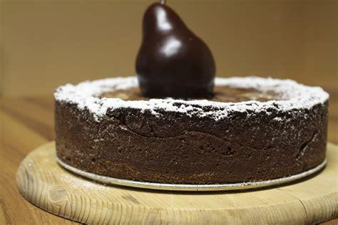 la torta di pere e cioccolato testo torta pere al pepe nero e crema al cioccolato fondente