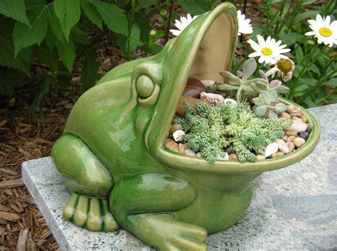 succulent pots frog succulent pot gardening pinterest