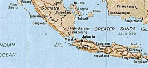 krakatoa located   world map  travel