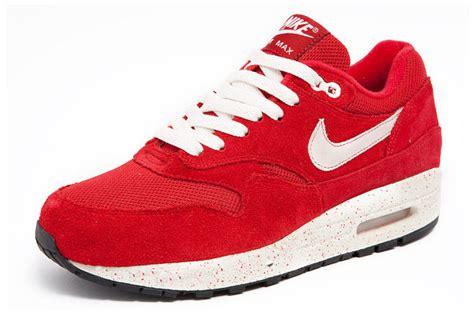 Nike Airmax Lucu mengais senja april 2013