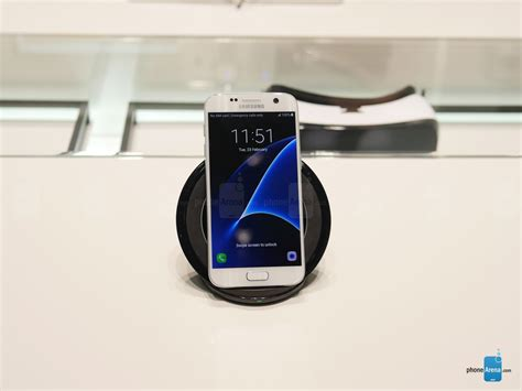 Samsung Backpack Wireless Charger Cover For Galaxy S7 Hitam Original all the official samsung galaxy s7 s7 edge accessories up
