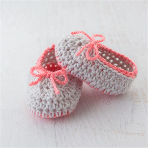 crochet shoes baby neon trim baby slippers free crochet pattern
