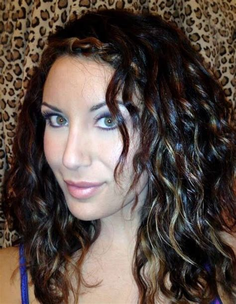 curly hair with lowlights best ideas about lowlights naturally dark reddish and