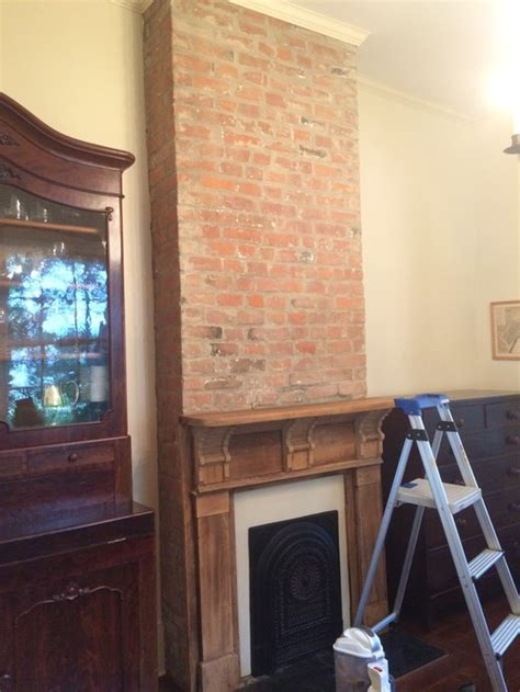 Should I Paint Brick Fireplace by Should I Paint The Fireplace Brick And Mantle The Color Of