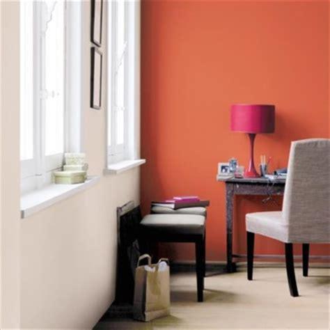 Charmant Salle De Bain Couleur Tendance #5: un-bureau-vitamine-avec-un-orange-braise-2761215fingc_2041.jpg