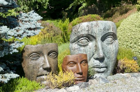 Garden Faces Sculpture Planters Are Still Trendy And