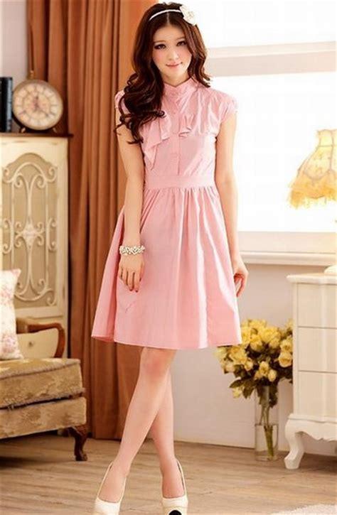 Dress Pesta Pink tutorial makeup kondangan lipstik merah cabe makeup vidalondon