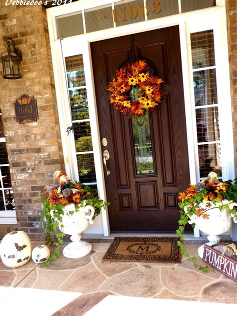 fall porch decorating ideas 60 pretty autumn porch d 233 cor ideas digsdigs