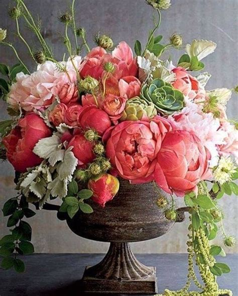 gorgeous flower arrangements 25 best ideas about large floral arrangements on
