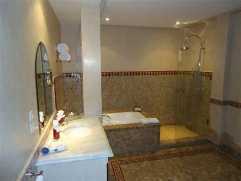 bagno con doccia e vasca la suite il bagno con doccia e vasca foto di al fassia